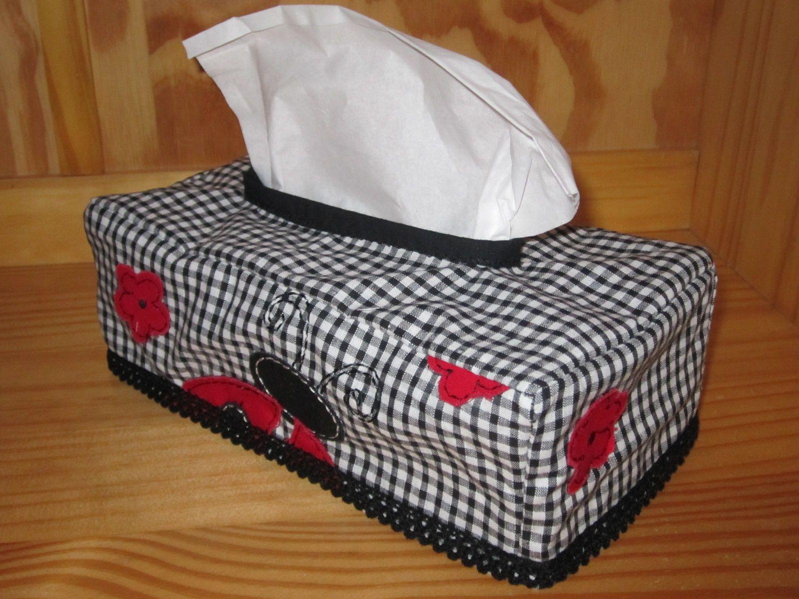 Accessoires pochettes a mouchoirs for Deco boite a mouchoir